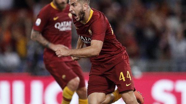Esulta a goal Roma, aggredito da ragazzi