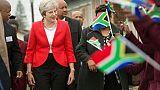 Un Brexit sans accord? Pas si dramatique, estime Theresa May
