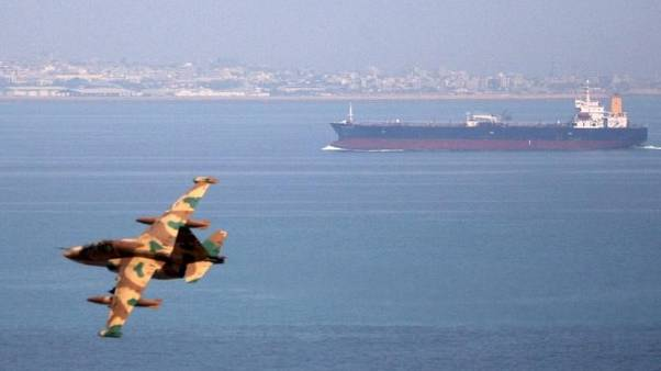 مستشار سعودي يستبعد أن توقف العقوبات صادرات إيران النفطية بالكامل