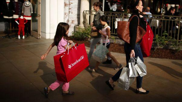 ثقة المستهلكين بأمريكا ترتفع في أغسطس لأعلى مستوى في نحو 18 عاما