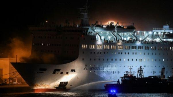 Un ferry grec rentre au port après un incendie à bord, pas de victimes