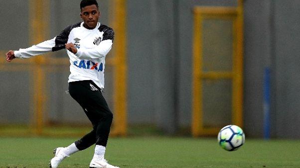 Santos-Independiente, stop per invasione