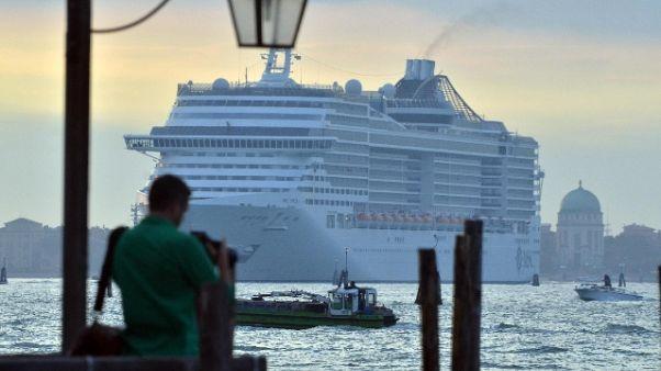 Grandi navi: Mit, fuori da laguna