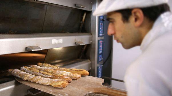 مشرعون مناهضون للملح يهددون مذاق خبز الباجيت الفرنسي