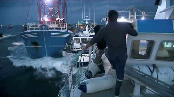 Fishermen talk peace as Franco-British scallops dispute flares up