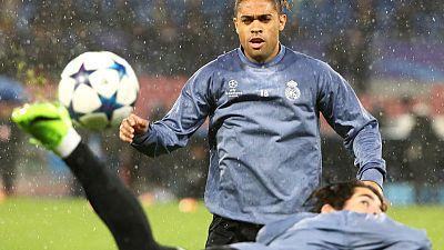 Real Madrid re-sign forward Mariano
