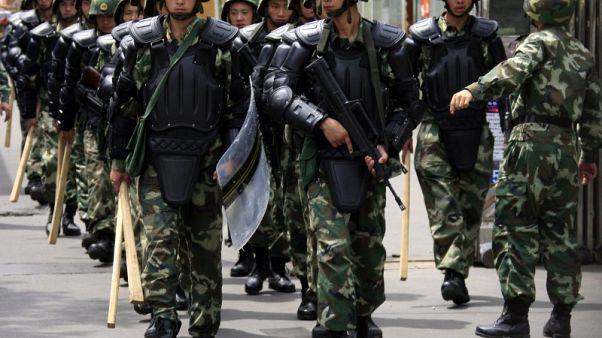 نواب أمريكيون يدعون لفرض عقوبات على الصين بسبب انتهاكات في شينجيانغ