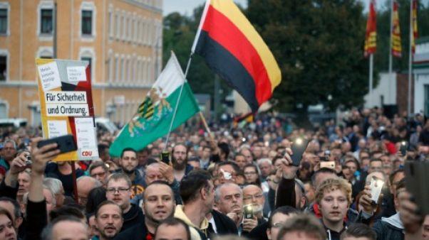 Merkel sous pression de l'extrême droite sur les migrants