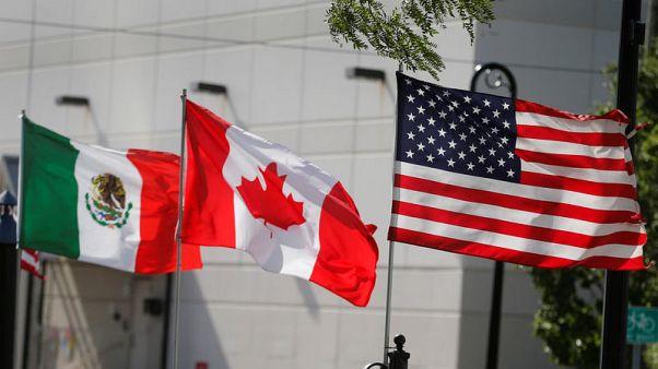U.S., Canada make late-night push for NAFTA; no deal yet