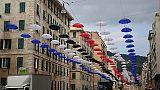 Ombrelli appesi riproducono colori Samp