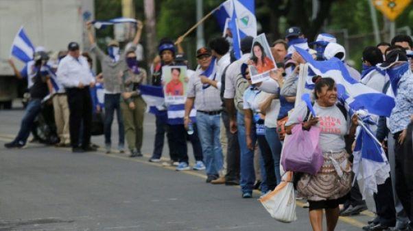 """Nicaragua: une chaîne humaine pour demander la libération de """"prisonniers politiques"""""""