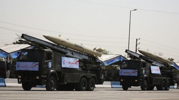 حصري- مصادر: إيران تنقل صواريخ للعراق تحذيرا لأعدائها