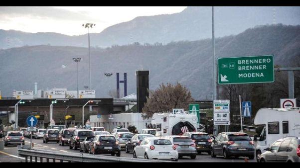 Brennero: governatori, allarme traffico