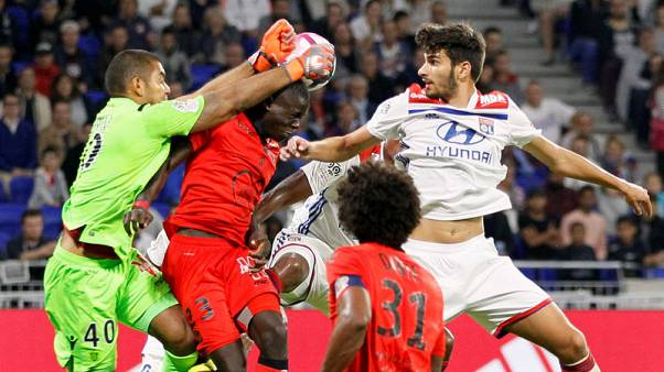 Saint-Maximin's goal gives Nice shock 1-0 win over Lyon