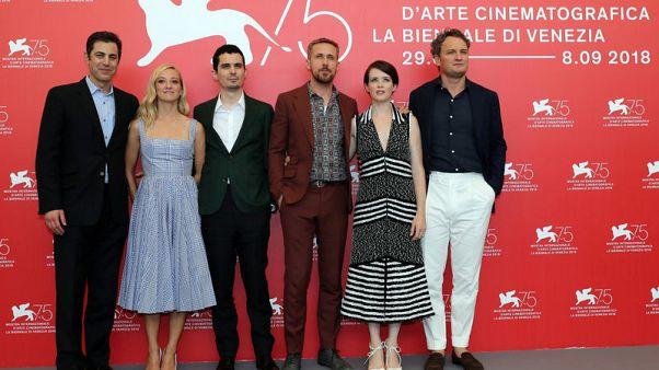 عائلة نيل آرمسترونج تدافع عن فيلم (الرجل الأول)