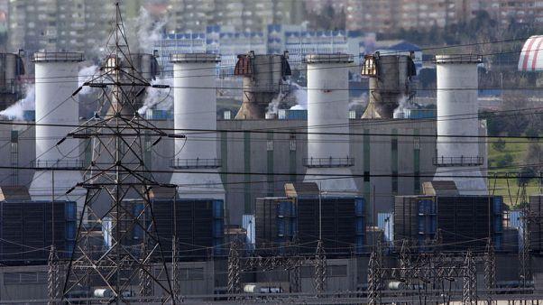تركيا ترفع أسعار الكهرباء والغاز بما يصل إلى 14% مع تفاقم أزمة الليرة