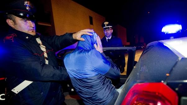 Rapine con violenze, arresti per 30 casi