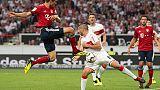 Bayern tutto facile, Wolfsburg non molla