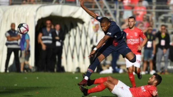 """Rouge de Mbappé: """"Il va devoir gérer"""", commente Deschamps"""