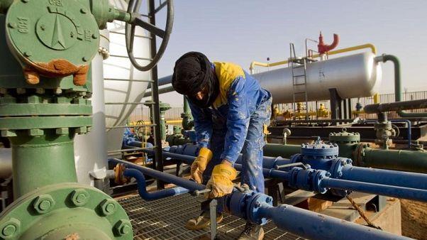 بيانات: إيرادات الجزائر من الطاقة تقلص العجز التجاري للنصف
