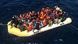 Migranti:attacchi social a Curia Taranto