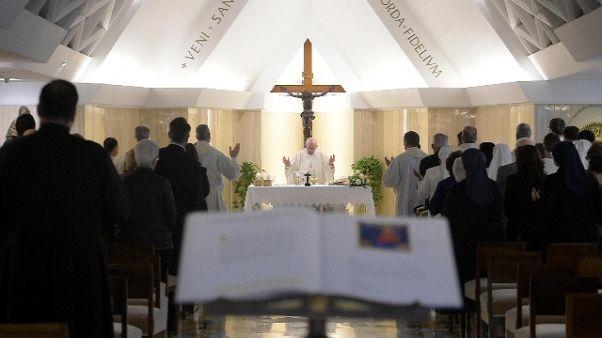 Papa: cercano scandalo? Tacere e pregare