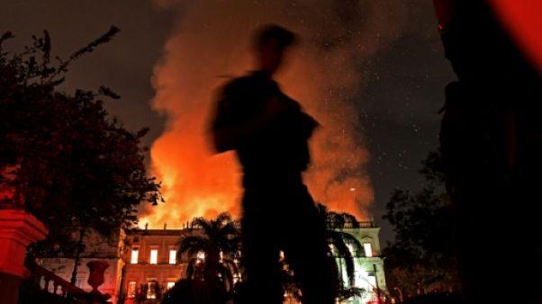 Journée de colère après l'incendie dévastateur d'un musée  brésilien