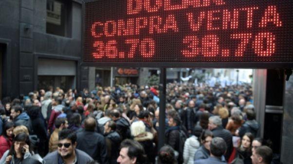 Face à la crise du peso, l'Argentine annonce un plan d'austérité
