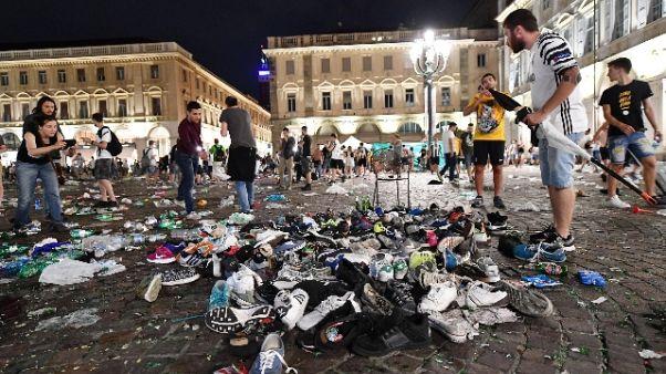 Piazza San Carlo, gip si riserva