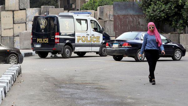 بيان: القبض على شاب بعد اشتعال حقيبته قرب السفارة الأمريكية بالقاهرة