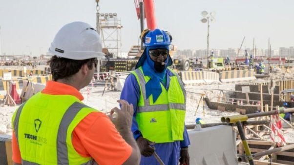 Le Qatar annule les autorisations de sortie pour la majorité des travailleurs immigrés