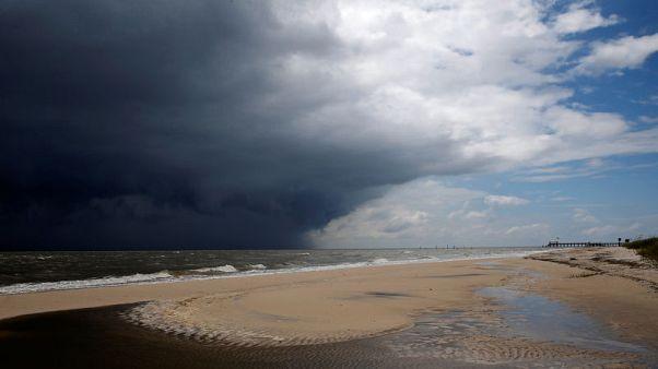 العاصفة جوردون توقف 9% من إنتاج النفط بخليج المكسيك