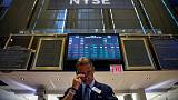 الأسهم الأمريكية تغلق منخفضة بفعل المخاوف التجارية