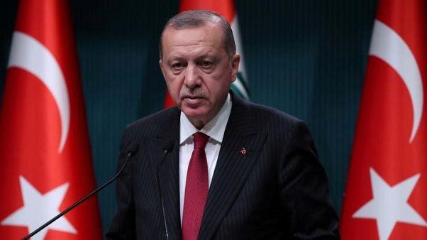"""صحيفة: أردوغان يقول تركيا لن تنفذ """"مطالب غير قانونية"""" بشأن قضية القس الأمريكي"""