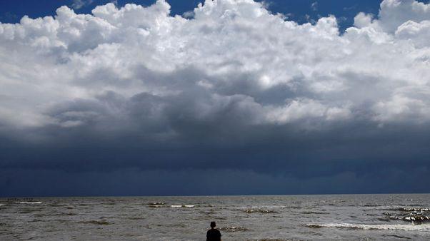 العاصفة جوردون تضعف بعد وصولها اليابسة عند حدود ألاباما ومسيسبي