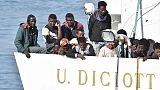 Gelati a migranti Diciotti da Bergoglio
