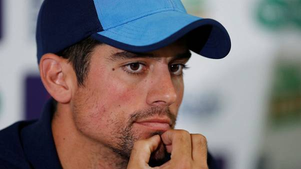 England's Cook cried when he told team mates of retirement
