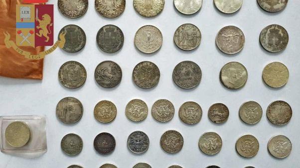 Monete antiche rubate, denunciati 18enni