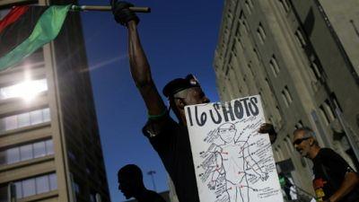 Procès sous tension à Chicago d'un policier blanc qui a tué un jeune noir