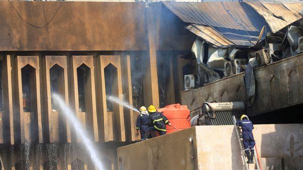 اشتعال النار في مبنى الإدارة المحلية بالبصرة