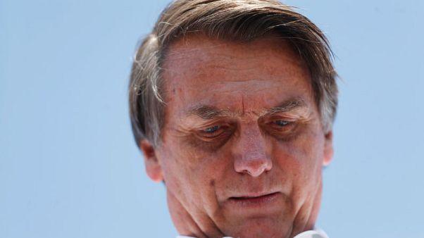 نجل مرشح رئاسي برازيلي يقول والده تعرض للطعن أثناء حملة انتخابية