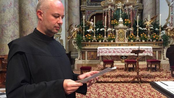 Padre Ulrich, da chirurgo a parroco
