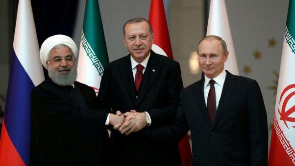وكالة: الرئيس الروسي يصل طهران للمشاركة في قمة سوريا