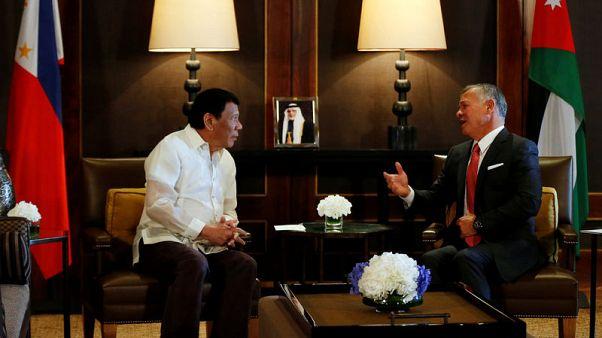 الرئيس الفلبيني يعرض إرسال قوات إلى الأردن لقتال المتشددين