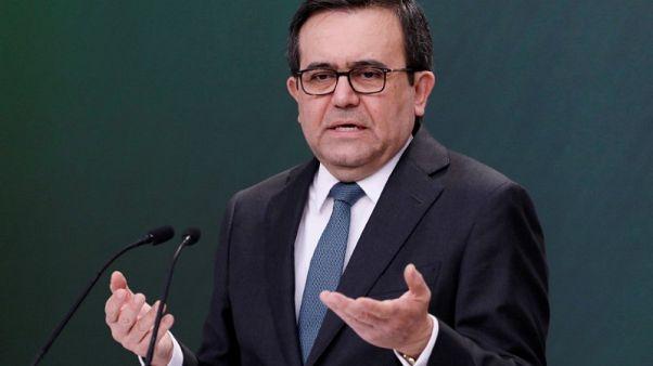 وزير: المكسيك تريد إنهاء الخلاف بشأن الصلب قبل توقيع نافتا جديدة