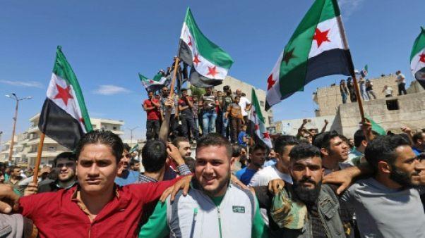 Syrie: des manifestants à Idleb appellent Ankara à empêcher l'offensive du régime