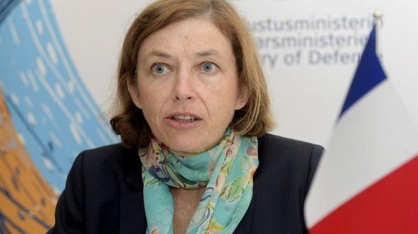 فرنسا تتهم روسيا بالتجسس على قواتها المسلحة من الفضاء