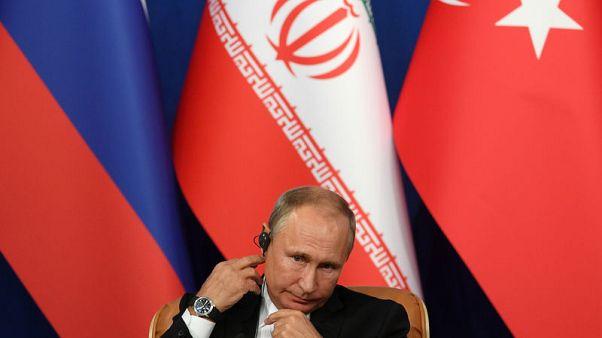 وكالة: بوتين يجتمع مع خامنئي في طهران بعد قمة ثلاثية بشأن سوريا