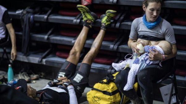 Trail UTMB: une mère et son bébé dans la course