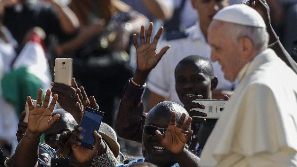 Papa: mondo fatica a vivere accoglienza